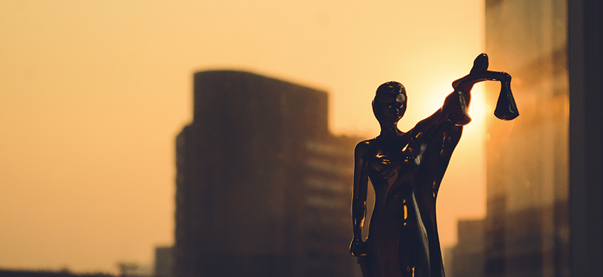 هل يكفي إدراك المظالم لتأسيس نظرية في العدالة؟