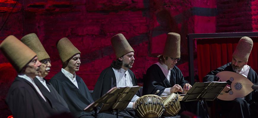"""الموسيقى الدينية وتجلياتها: """"الموسيقى الصوفية أنموذجا"""""""