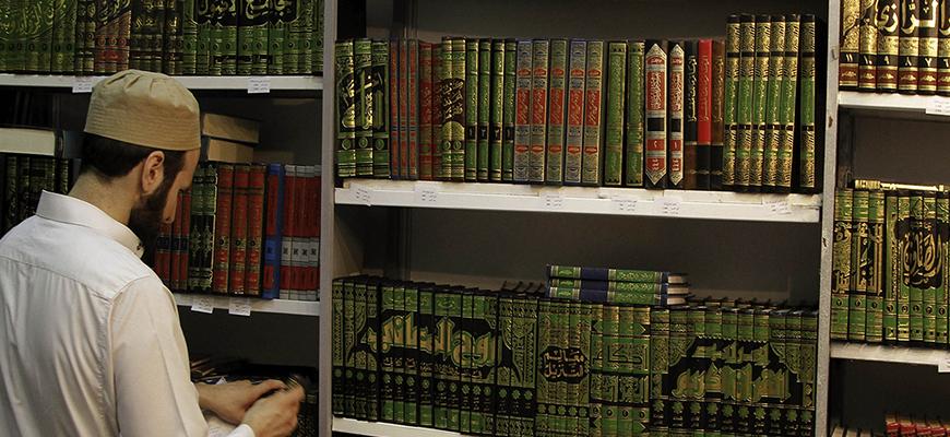 الفكر السلفي السُّنّي وأزمة الثقافة الروائيّة رؤية نقديّة لخدمات السُّنّة للقرآن