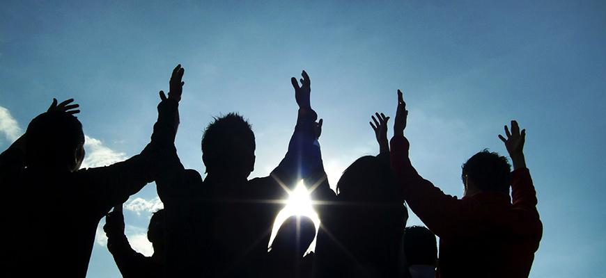 التعايش الديني: انتقال مجتمعي وعبور نحو المدنية